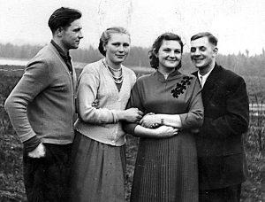 Tacy byli, kiedy się pobrali (z prawej Helena i Stanisław) Fot. archiwum