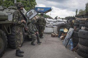 W walkach o Słowiańsk na Ukrainie wschodniej są ofiary po obu stronach konfliktu Fot. EPA-ELTA