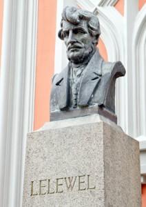 Pomnik Lelewela dłuta Bolesława Bałzukiewicza na wileńskiej Rossie Fot. Marian Paluszkiewicz