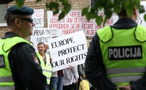 Polska mniejszość na Litwie od ponad 20 lat stanowczo, aczkolwiek bezskutecznie walczy o prawo do używania języka oraz oryginalnej pisowni nazwisk     Fot. Marian Paluszkiewicz