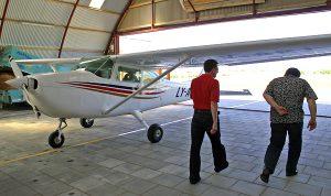 Ostatnio dość popularne jest posiadanie licencji pilota i własnego samolotu                Fot. Marian Paluszkiewicz