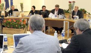 Aby w tajnym głosowaniu zwolnić mera rejonu trockiego ze stanowiska, potrzeba 13 głosów z 25-osobowej Rady Samorządu Fot. Alina Sobolewska