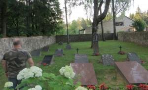 Cmentarz Śniadeckich i Balińskich w Jaszunach jest zadbany Fot. Anna Pieszko