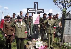 Obchody Święta Wojska Polskiego w Miednikach stały się już miejscową tradycją pielęgnowaną od 2008 roku Fot. Stanisław Tarasiewicz