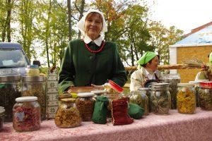 Podczas kiermaszu można było nabyć zioła z łąk Wileńszczyzny Fot. Brygita Łapszewicz