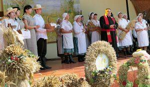 W Solecznikach rolnicy dziękowali za dary nieba i ziemi  Fot. Marian Paluszkiewicz