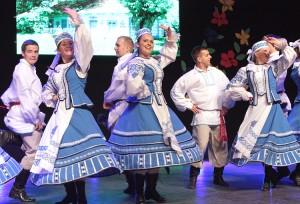 """Na scenie ożyły też tańce białoruskie, które """"Zgoda"""" przygotowała specjalnie na tę okazję Fot. Marian Paluszkiewicz"""