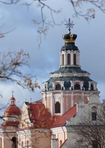 Barokową kopułę kościoła pw. św. Kazimierza zdobi korona królewicza Fot. Marian Paluszkiewicz
