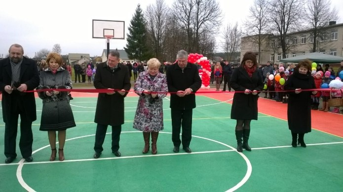 Podwójne święto w Szkole Średniej im. Juliusza Słowackiego w Bezdanach – jubileusz 110-lecia szkoły i otwarcie stadionu