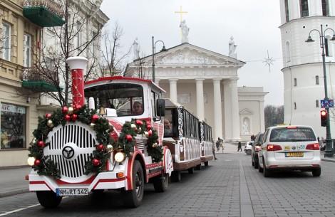 Z powodu spadku cen ropy w nowym roku będziemy jeździli taniej, ale zaparkujemy już drożej z powodu wprowadzonego euroFot. Marian Paluszkiewicz
