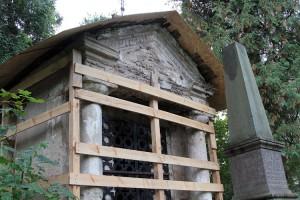 Znajdująca się w skrajnej ruinie kaplica Ogińskich w 2015 roku ma odzyskać dawną świetność Fot. Marian Paluszkiewicz