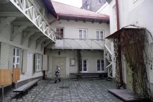 W podwórku domu nr 11 czynne jest wileńskie muzeum Adama Mickiewicza Fot. Justyna Giedrojć