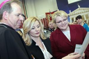 Arcybiskup spotkał się także z minister Algimantė Pabedinskienė oraz starostą frakcji Akcji Wyborczej Polaków na Litwie w Sejmie RL Ritą Tomašunienė Fot. Marian Paluszkiewicz