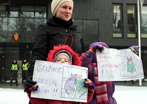 Powodem protestu była sprawa siedmioletniego Gabrieliusa Bumbulisa  Fot. Marian Paluszkiewicz