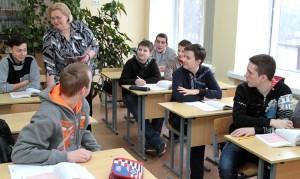 Dążenie ku gimnazjum nakładało również pewne dodatkowe obowiązki na nauczycieli i uczniów Fot. Marian Paluszkiewicz