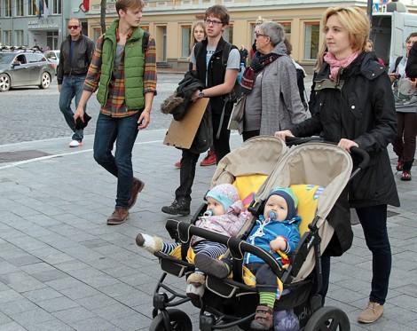 Teraz pod względem wieku doczekania się potomstwa nasz kraj jest blisko średniej europejskiej, która wynosi 30 lat                                           Fot. Marian Paluszkiewicz