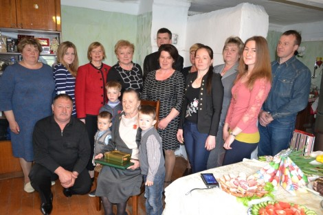 Ze strony gości padło wiele ciepłych słów i życzeń dla zasłużonej, wielodzietnej matki Fot. Teresa Worobiej