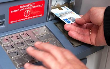 Od 9 lipca w bankach SEB i DnB na Litwie zostanie wprowadzony miesięczny limit pobierania gotówki w bankomacie Fot. Marian Paluszkiewicz