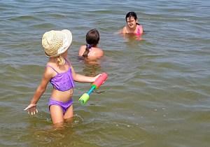 Bałtyk – morze zazwyczaj chłodne, w którym zwykle temperatura wody w letnie dni sięga 17 stopni Celsjusza – w długi weekend woda wynosiła 20 stopni! Fot. Honorata Adamowicz