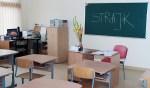 Uczniowie strajkują i modlą się w obronie języka polskiego