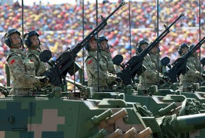 UUP Kariuomenë Kinija Maþinimas Kinija 300 000 kariø maþins savo kariuomenæ. EPA-ELTA nuotr. Pekinas, rugsëjo 3 d. (dpa-ELTA). Minëdamas 70-àsias Antrojo pasaulinio karo pabaigos Azijoje metines, Kinija ketvirtadiená surengë iki ðiol didþiausià ðalies istorijoje kariná paradà. RS