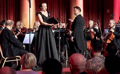"""Gabriela Vasiliauskaitė i Edward Trusewicz w towarzystwie Orkiestry Symfonicznej """"Mezzo"""""""