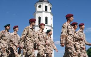 Wzmacnianie bezpieczeństwa informacyjnego dla władz musi być równolegle z umacnianiem sił zbrojnych Fot. Marian Paluszkiewicz