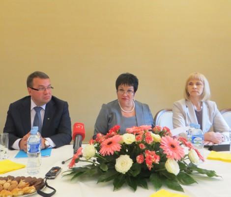 W dniu obchodów 100 dni sprawowania urzędu przez minister Audronė Pitrenienė odbył się wiec komitetów strajkowych szkół polskich oraz zapowiedź strajku oświatowych związków zawodowych Fot. Anna Pieszko