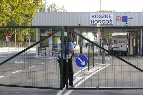 Zdaniem ekspertów, przywrócenie kontroli na granicach wewnętrznych Unii Europejskiej jest końcem tzw. Europy bez granic Fot. EPA-ELTA