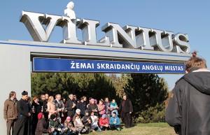 Udział w akcji wzięło wiele osób, przedstawiciele wielu środowisk, wyrażając w ten sposób jedność z osobami nieuleczalnie chorymi Fot. Marian Paluszkiewicz