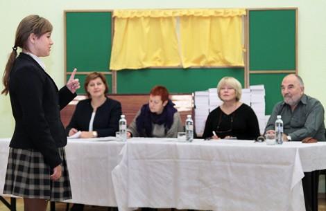 Uczestnicy konkursu z wielkim wyczuciem oddawali klimat recytowanych utworów Fot. Marian Paluszkiewicz