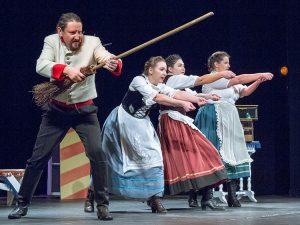 Poprzez znakomitą grę charyzmatyczni aktorzy zdobyli sympatie publiczności Fot. Marian Paluszkiewicz