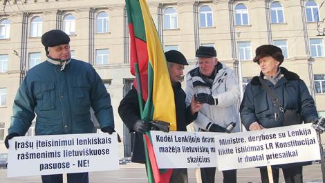 Aby zarejestrować społeczną inicjatywę ustawodawczą należy zebrać 50 tys. podpisów Fot. Marian Paluszkiewicz