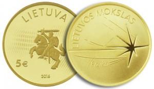 "Kolekcjonerska moneta o nominale 5 euro z serii ""Nauka Litwy"" Fot. Marian Paluszkiewicz"