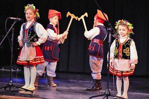 W trakcie występów nie zabrakło motywów ludowych Fot. Bartosz Frątczak, wilnoteka.lt
