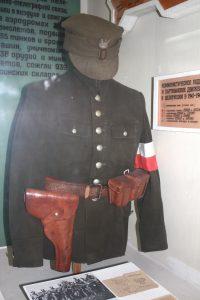W muzeum na zamku mundur polskiego partyzanta AK Fot. Waldemar Szełkowski