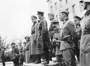 """Symbolicznym przykładem współpracy okupantów była wspólna w Brześciu """"parada zwycięstwa"""" Wehrmachtu i Armii Czerwonej"""