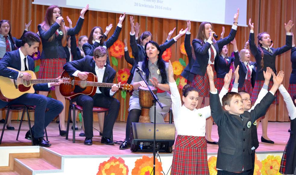 Uczniowie recytowali wiersze o wierze, miłości i miłosierdziu Foto: Alina Stecewicz