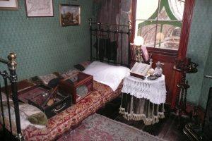Sypialnia legendarnego detektywa Fot. Justyna Giedrojć