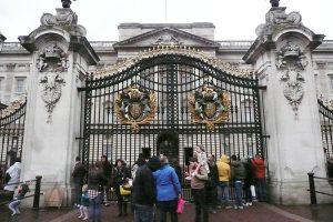 Pałac Buckingham od 1837 roku pełni funkcję oficjalnej siedziby monarchów angielskich Fot. Justyna Giedrojć