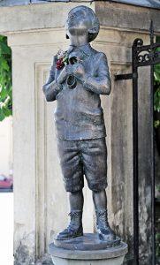 Pomnik Romaina Gary w Wilnie Fot. Marian Paluszkiewicz