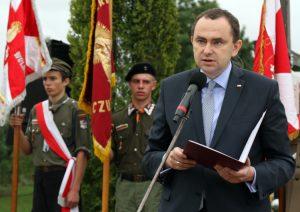 W imieniu prezydenta RP hołd poległym oddał sekretarz stanu, szef gabinetu prezydenta RP Adam Kwiatkowski