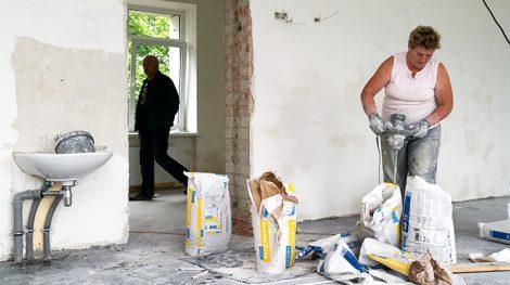 W Szkole Podstawowej w Kiwiszkach remont zostanie ukończony do rozpoczęcia roku szkolnego — zapewniają wykonawcy prac Fot. Marian Paluszkiewicz