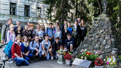 Narody, które doświadczyły totalitaryzmów, powinny nie tylko pamiętać, ale także młodszym generacjom i całemu światu przypominać o tym, czym te totalitaryzmy były Fot. Marian Paluszkiewicz
