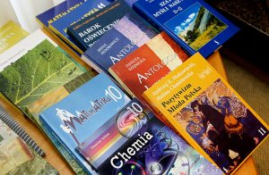 O braku nowych podręczników z języka polskiego dla klas 11-12 mówi się od lat Fot. Marian Paluszkiewicz