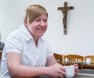 Siostra Dorota od Aniołów w przerwie na kawę Fot. Marian Paluszkiewicz