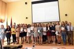 Nagrodzono absolwentów, którzy osiągnęli doskonałe wyniki z egzaminów maturalnych