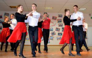 Gimnazjaliści mieli okazję zaprezentować swoje taneczne umiejętności      Fot. I.Mikulewicz