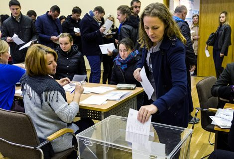 Było dużo skarg o różnorodnych naruszeniach lokalnej komisji wyborczej Fot. Marian Paluszkiewicz