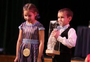 Młodzi zwycięzcy zostali uhonorowani dyplomami, medalami oraz pucharami Fot. D. Skoczyk